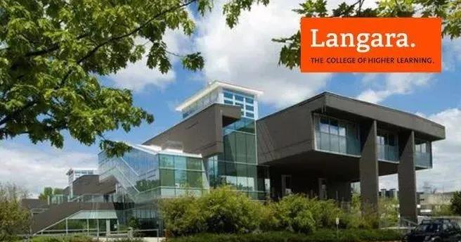 """這裡有一份來自""""Langara College 加拿大蘭加拉學院""""的邀請,你準備好了嗎?"""